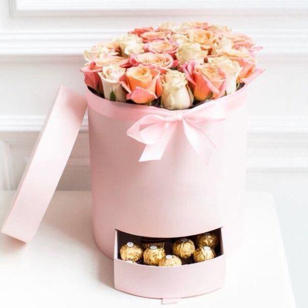 """Букет роз в коробке """"Даниссимо"""" - фото 1"""