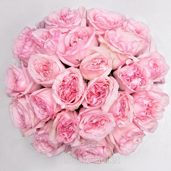 """Букет пионовидных роз с фруктовым ароматом в коробке """"Бархат"""" - фото 2"""