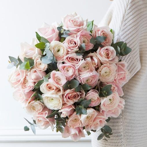 Ранункулюсы Ханой и роза Sweet - фото 1