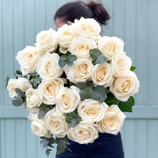 "Букет роз ""Avalanche и эвкалипт"" - фото 1"