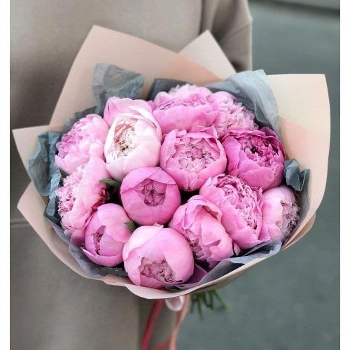 Нежно-розовые пионы Sara B - фото 1