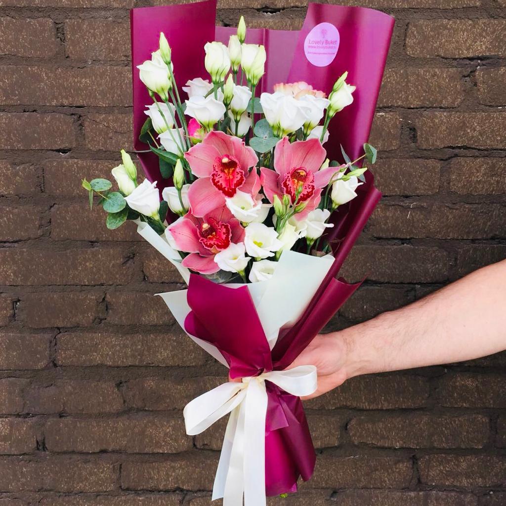 Букет Нежная Эустома и бордовые Орхидеи, изображение 1