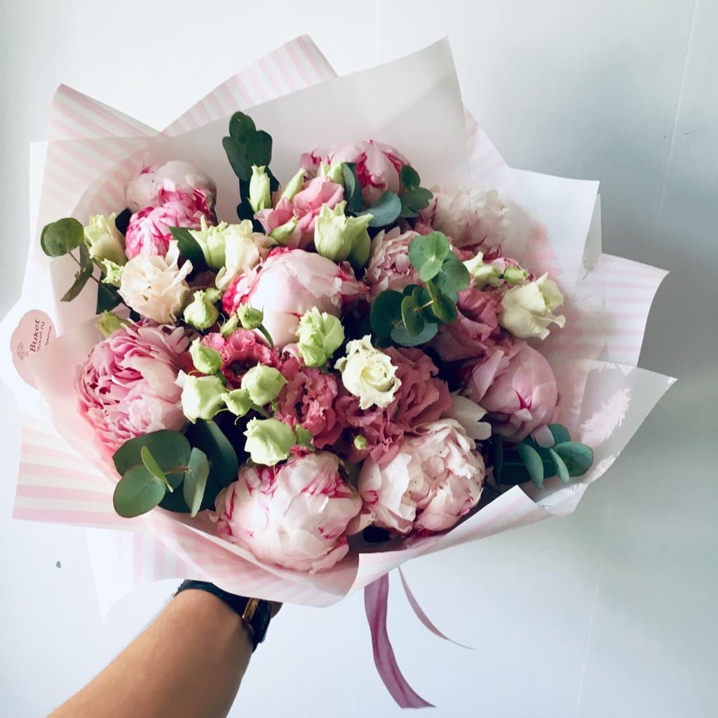 Букет Букет из нежной эустомы и розовых пионов, изображение 1