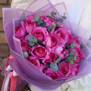 Букет ярких ароматных французских роз - фото 1