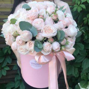 Нежные пионовидные розы в коробке - фото 1