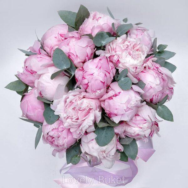 """Букет из розовых пионов в коробке """"Мрамор"""" - фото 2"""
