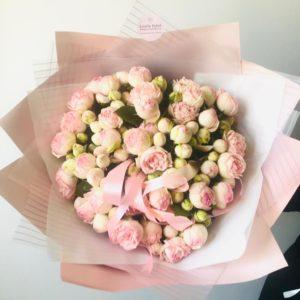 """Букет кустовых пионовидных роз """"Expression"""" - фото 1"""