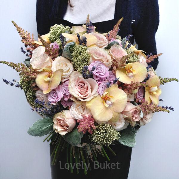 Букет с бронзовыми орхидеями,лавандой и ароматными розами - фото 2