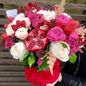 """Цветочная композиция в коробке """"Гранат и орхидеи"""" - фото 1"""