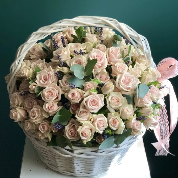 Корзина с чайными розами и лавандой - фото 4