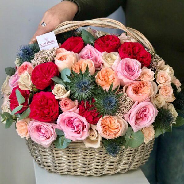 Корзина с экзотикой, розами Red piano, ароматными розами - фото 2