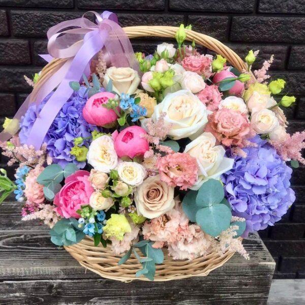 """Цветочная корзина """"Garda""""с пудровыми розами и ажурным лизиантусом - фото 3"""
