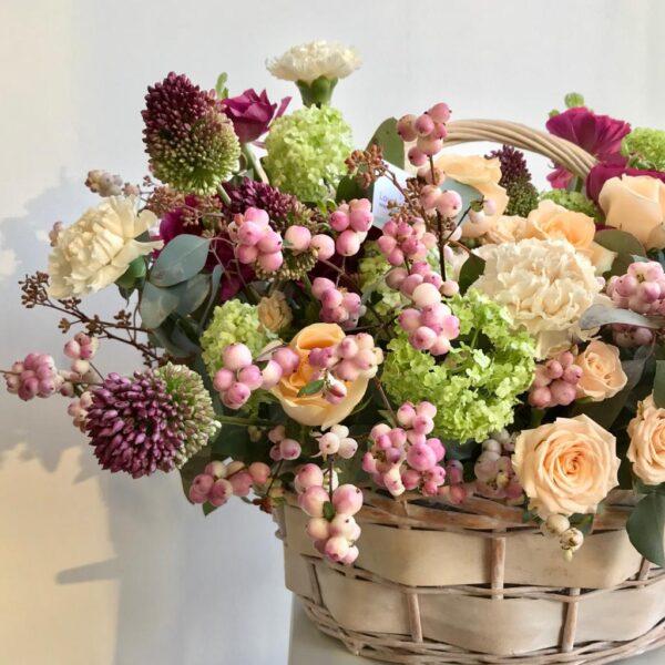 """Цветочная композиция в корзине """"Мелодии весны"""" - фото 2"""