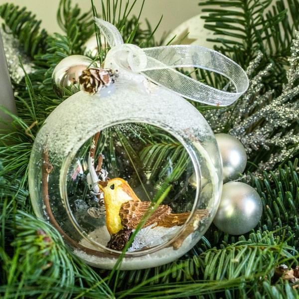 Новогодняя композиция со свечой и дизайнерским стеклянным шаром - фото 2