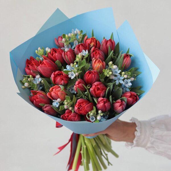Букет пионовидных тюльпанов с голубой оксипеталум - фото 2