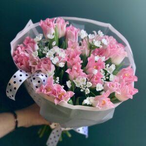 Букет тюльпанов Тоукан и белый аллиум - фото 1