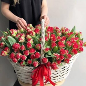 Корзина свежих тюльпанов (выбрать цвет) - фото 1