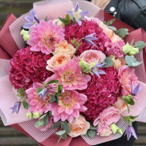 """Букет с пурпурными гортензиями,розами,клематисом """"Сладкий август"""" - фото 1"""