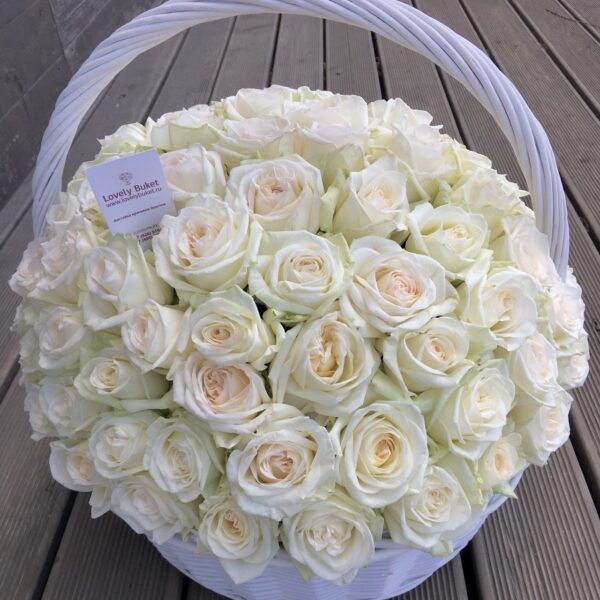 Ароматная роза сорта Ohara в корзине - фото 2