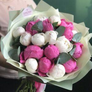 """Букет из розовых и белых пионов """"Пионовое наслаждение"""" - фото 1"""