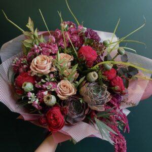 Авторский букет с экзотическими розами и эхиверией - фото 1